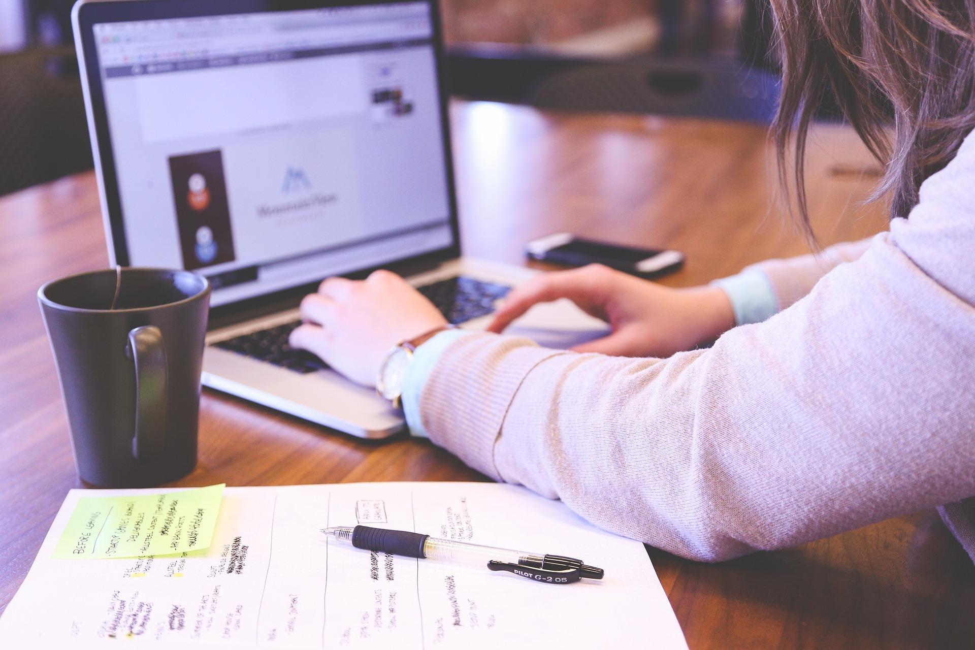 MPSV připravuje nový webový portál. Podání žádostí bude možné vyřídit z pohodlí domova!